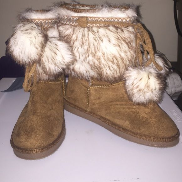 Hold for @liyaliya - JustFab Size 8 Furry Boots Like new, only wore a few times inside. These shoes have literally never stepped outside. Super cozy and great for indoor or outdoor use. No trades please! JustFab Shoes Winter & Rain Boots