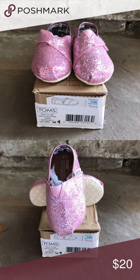 Tiny TOMS Pink Glitter Size 4 Tiny TOMS Pink Glitter Size 4 Shoes Baby & Walker