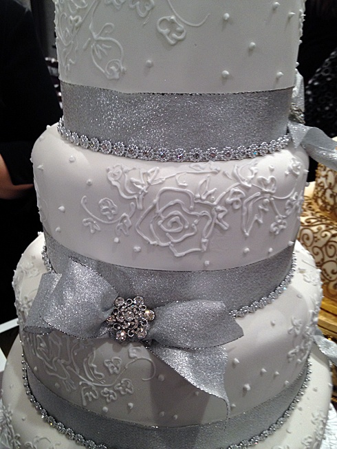 white wedding cake with silver ribbon 1000 images about cake on cakes wedding 27422