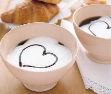 Come preparare una colazione romantica a letto   Come Fare