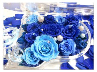 【プリザーブドフラワー/グランドピアノシリーズ】青いお花とパールの人魚の涙。グランドピアノに敷き詰められた青いバラと海の中の神秘と宝石【リボンラッピング付き送料無料】