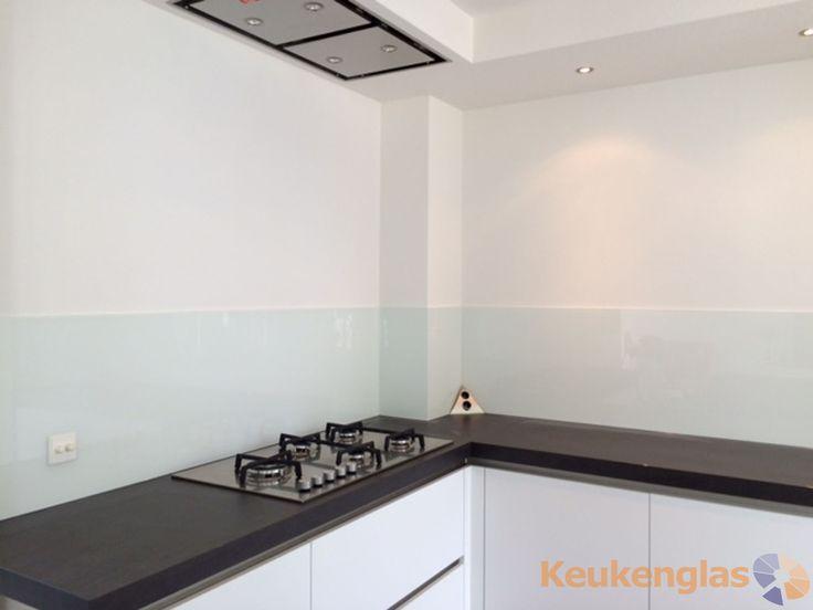 Glazen Achterwand Keuken Eindhoven : Witte glazen spatwand