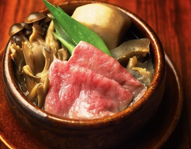 """徳うち山の工藤シェフ考案レシピをご紹介(^o^)/ 工藤シェフは山形出身。今回は山形県民らしく『山形芋煮』です。 まさに10月は芋煮のシーズン。 季節もぴったりですので、ぜひ山形の味をご家庭でも味わってくださいね! 【""""ピックアップシェフ""""はこちら】 http://www.chefgohan.com/pickups/26 【レシピ詳細はこちら】 http://www.chefgohan.com/card/detail/1650 - 70件のもぐもぐ - 山形芋煮~工藤シェフ考案~ by シェフごはん"""