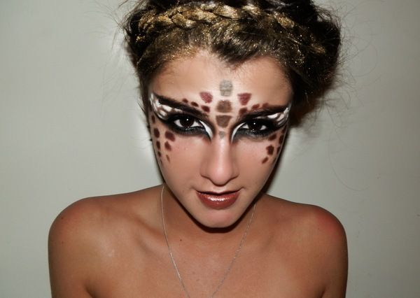 @Alyson Cowan  you should be a giraffe for halloween!! :)