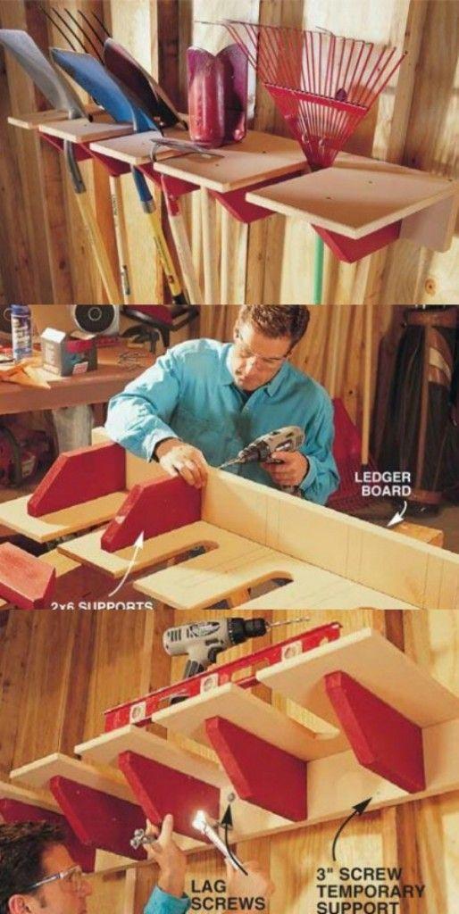7) Une étagère bien pensée pour tous les éléments qu'on ne souhaite pas voir traîner dans un coin 8) Le plafond offre un espace de rangement supplémentaire. Pensez-y ! 9) Pourquoi ne pas créer un placard à l'apparence de cabanonpour tous les outils de jardinage ? 10) Un seau permet de ranger le tuyau et …
