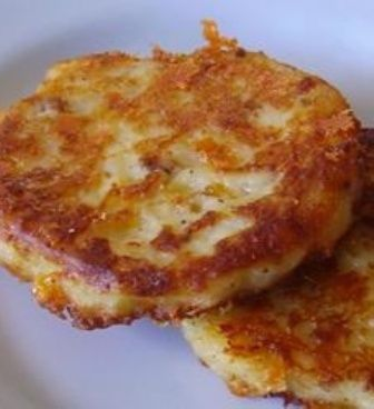 Don't waste the leftover mashed potatoes- Bacon Cheddar Potato Cakes. ****Re-pinning from my Potato-licious recipe Board!
