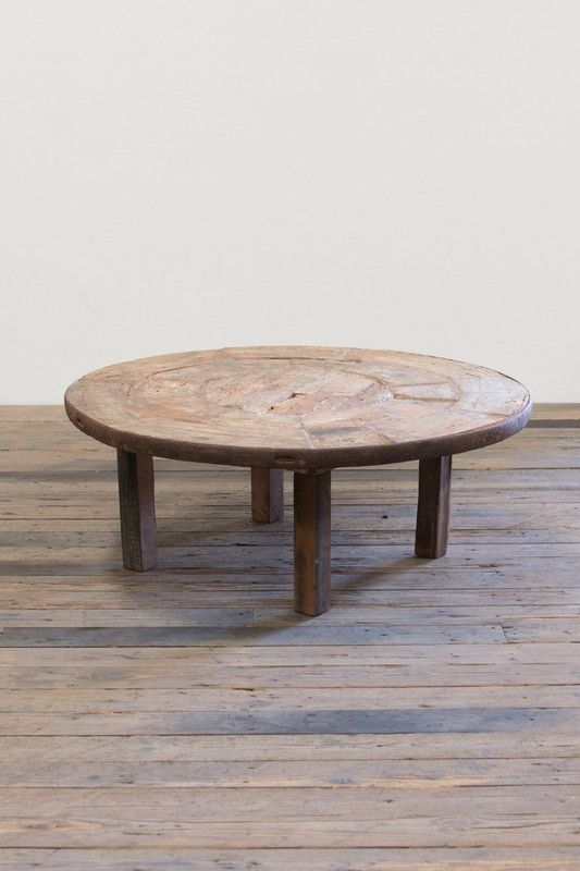 ANTIQUE WOODEN WAGON WHEEL COFFEE TABLE WITH WOODEN BASE