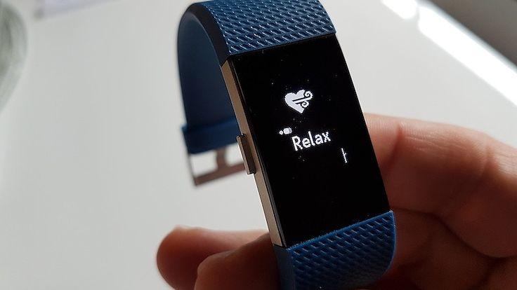 Kaunis Fitbit Charge 2 on melkein täydellinen aktiivisuusranneke – 2 asiaa häiritsee - Lifestyle - MTV.fi