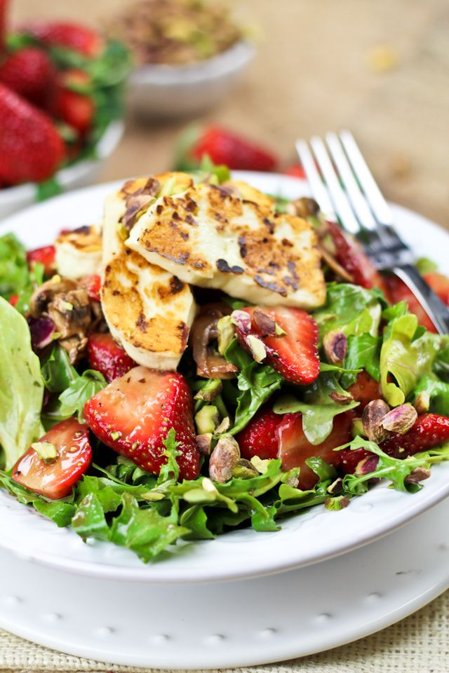 and arugula salad with grilled halloumi halloumi salad arugula salad ...