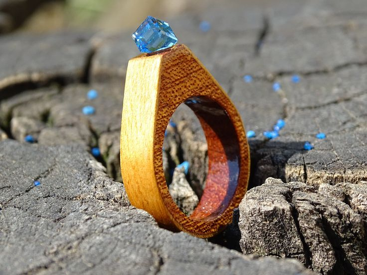 https://flic.kr/p/WL1Jfh | DSC06855 CR R17135;  Inel exclusivist din lemn si cristal Swarovski, Inel autentic din lemn Made with Swarovski® Crystals; Wooden ring with Swarovski crystal | DSC06857 CR R17135; Inel exclusivist din lemn si cristal Swarovski, Inel autentic din lemn Made with Swarovski® Crystals; Wooden ring with Swarovski crystal