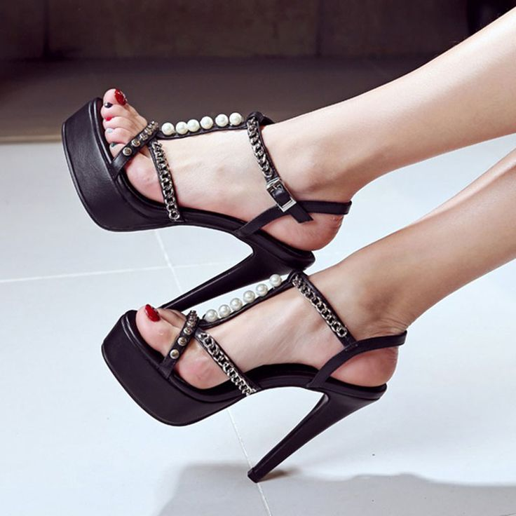 Shoespie Chains Decorated Strappy Platform Heel Sandals