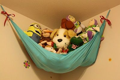 simple 10-minute diy to organize all those dang stuffed animals  :)  need to make again with cute fabric