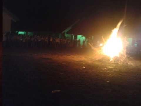Kegiatan Api Unggun Persami Tingkat SD/MI di SMPN 2 Jayakerta