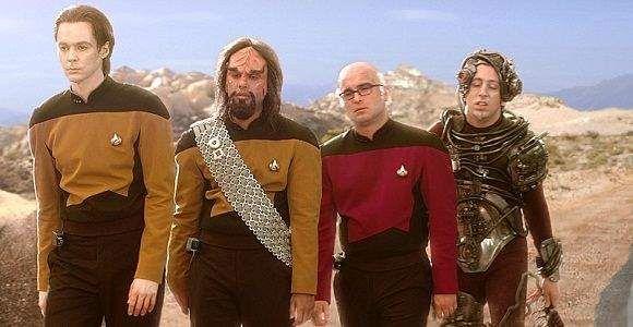 """A série de comédia """"The Big Bang Theory"""" quebrou seu próprio recorde de audiência nos EUA. O episódio exibido na noite de quinta (9/11) no canal CBS superou a audiência recordeda semana anterior em 800 mil espectadores. Ou seja, o episódio temático, que trouxe o elenco em uniformes da série """"Star Trek: A Nova Geração"""", …"""