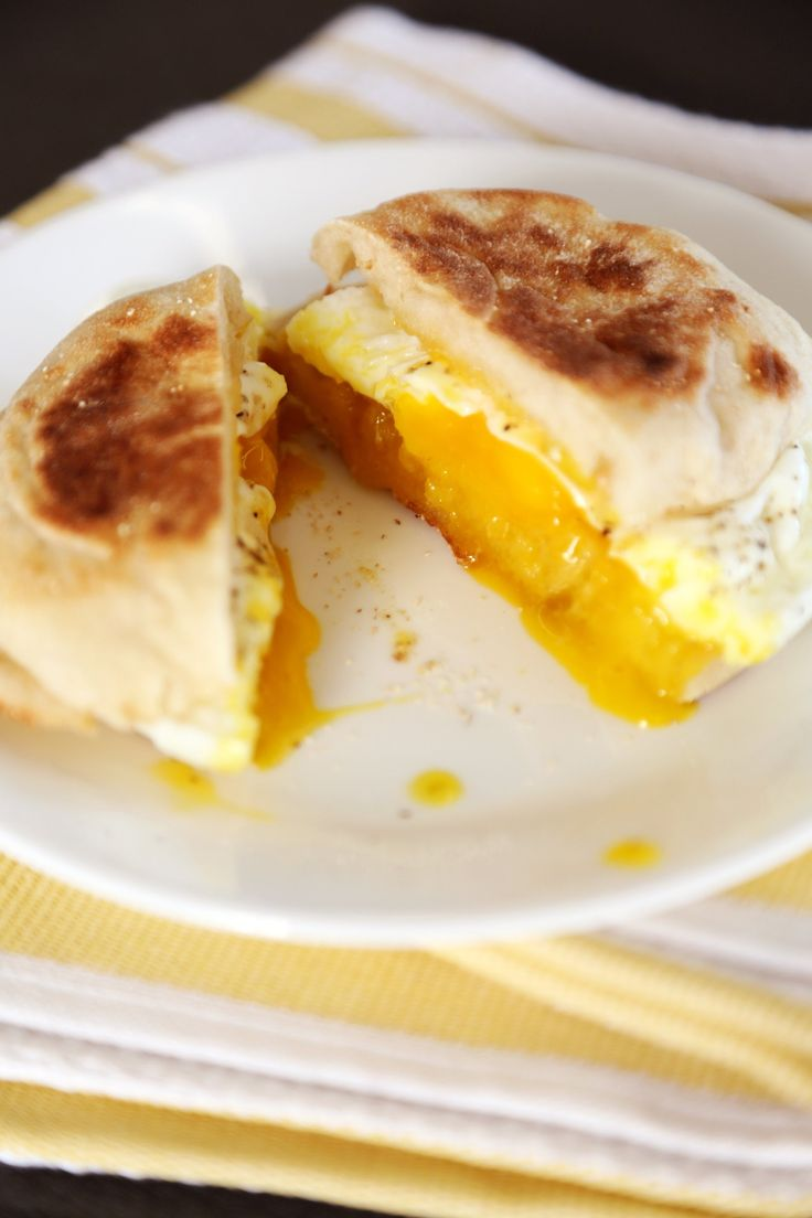 Easy poached egg sandwich easy poached eggs egg recipes