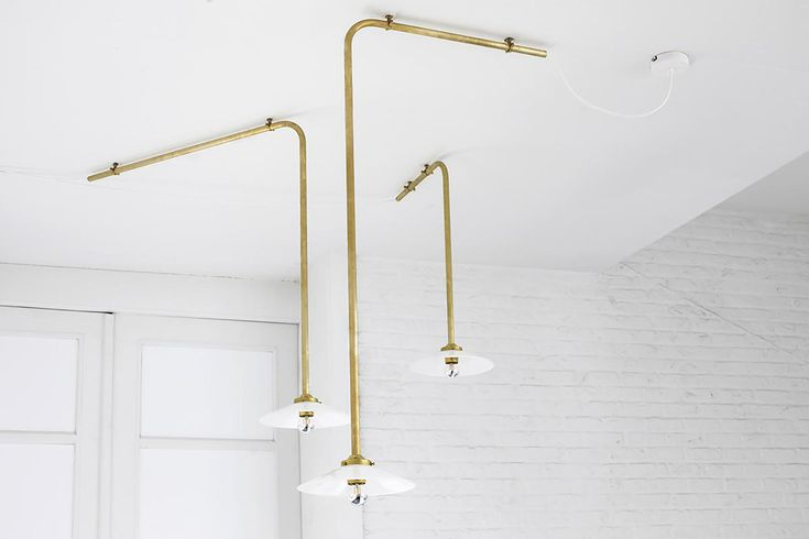 oro trend 2018 lampada industriale minimale oro valerie objects  | #immcologne #oro #gold #trend2018 #maisonobject #maisonobject2018 #trendy