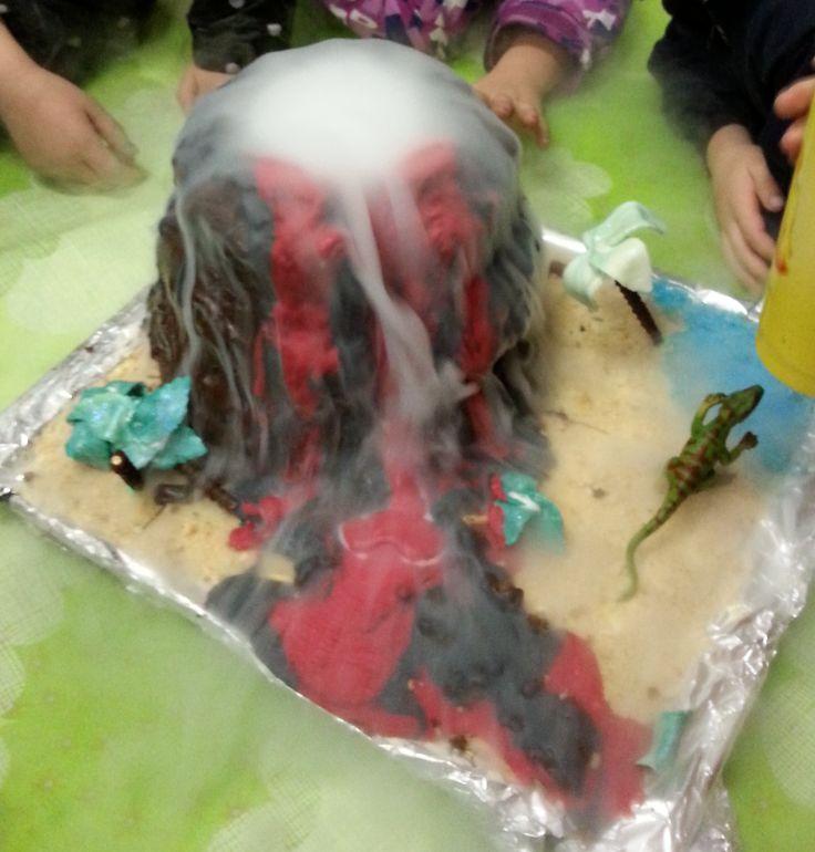 erupting vulcano cake - fun Kids birthday cake:-)