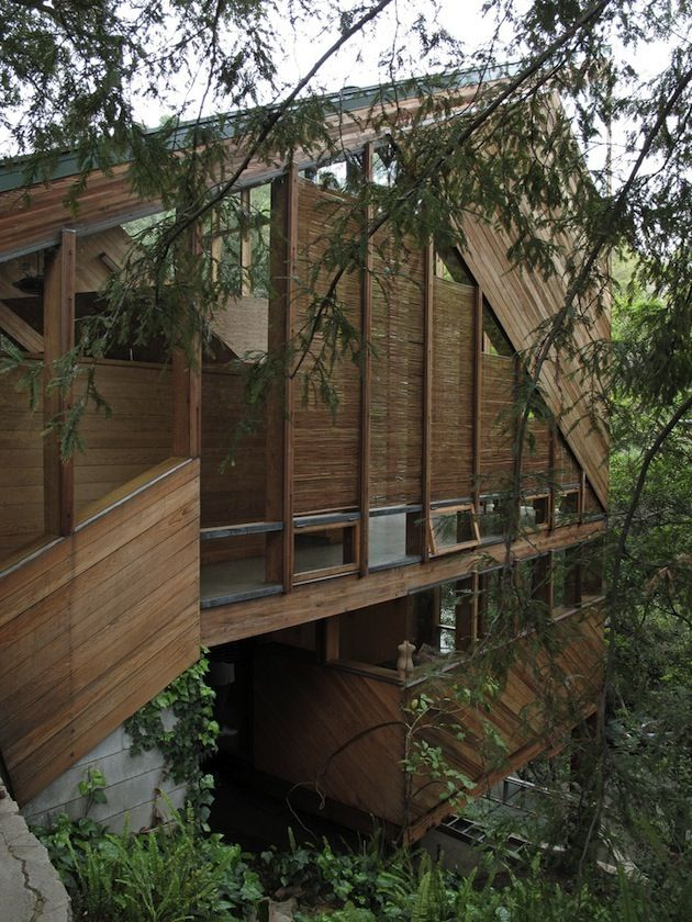 late 60s, architect John Lautner had a great idea for the Walstrom House in Santa Monica that is still a timeless piece of architecture today.