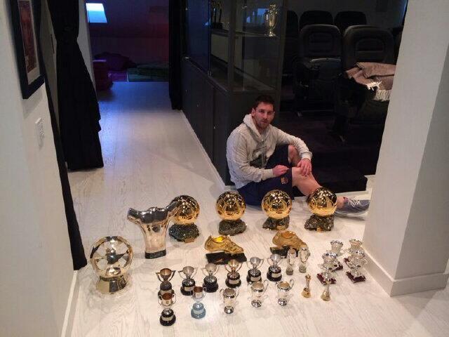 Los grandes trofeos de Lionel Messi en su carrera. Una imagen que subió a la red su hermano @_MatiasMessi y que rescatamos para la historia de los barçargentinos.
