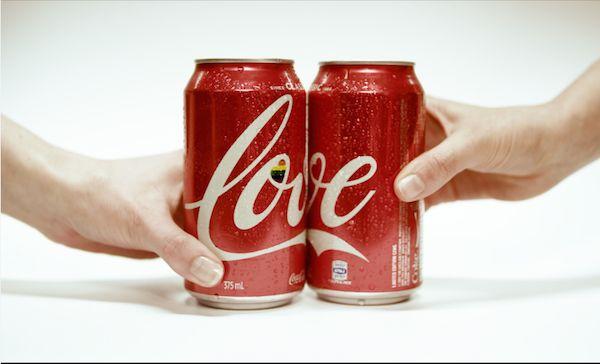 豪コカ・コーラ、同性婚を支持するデザインボトルを限定販売   AdGang