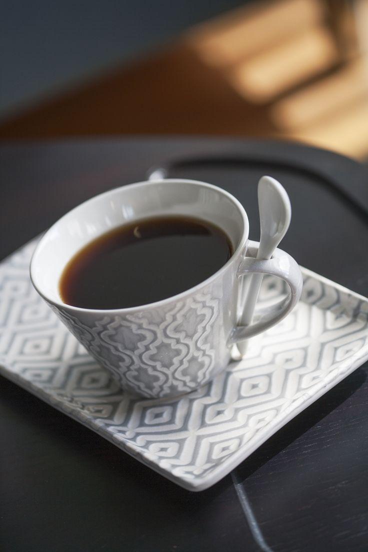 Happy #InternationalCoffeeDay ! Let's start the day with a nice cup of #coffee on our Diva sofa table. ☕  #pohjanmaan #pohjanmaankaluste  #koti #sohva #olohuone