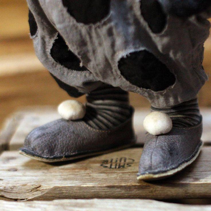 873 отметок «Нравится», 68 комментариев — Teddy Bears by Olga Zharkova (@olinsakvoyage) в Instagram: «#олиныклоуны Ещё одна пара обувки, не вошедшая в предыдущую композицию на фото . Наслаждаюсь одним…»