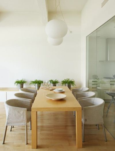 Dining Room: White Wood, Rooms Jordi, Rooms Favorite, Chairs, Wood Rooms, White Rooms, Dinning Rooms, Contemporary Dining Rooms