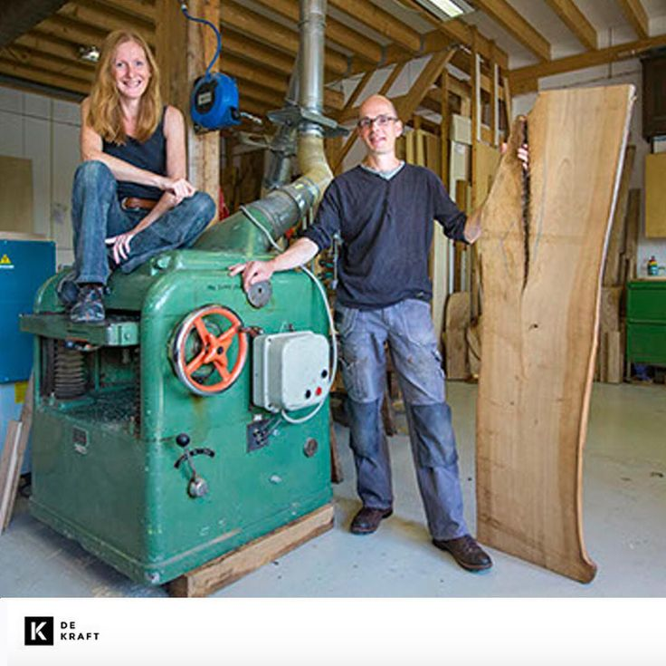 Het is #MakerMaandag en vandaag introduceren wij de twee makers Bart Bruggink en Ilse Wijma van de #KeukenWerkplaats. Bart en Ilse maken duurzame keukens van verantwoord geproduceerd hout voor keukens die levenslang mee kunnen. Ilse heeft een voorliefde voor bomen en je zult tussen haar vakantiefotos altijd wel portretten van bomen vinden. Bart is een toegewijde ambachtsman en trotse ontwerper. De liefde voor hout en het vak is dan ook gegarandeerd terug te vinden in hun keukenontwerpen…