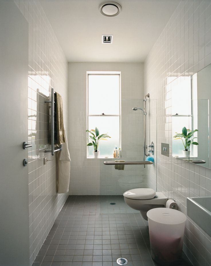 Best 25 narrow bathroom ideas on pinterest small narrow for Narrow bathroom ideas