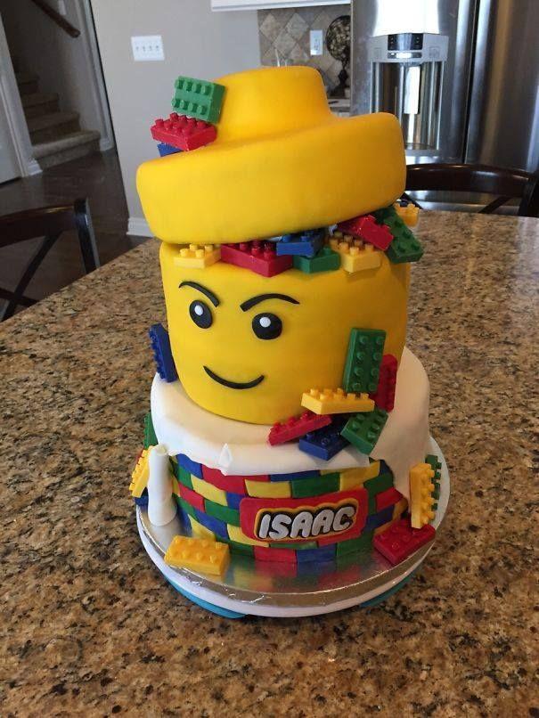 Superbe gâteau pour petit garçon fan de Légo... ...