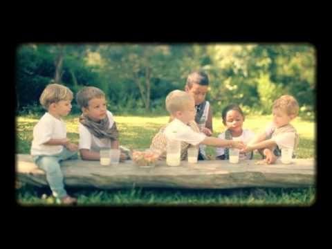 Não é lembrancinha, mas é um filme lindo sobre a Páscoa, contado por uma criança.