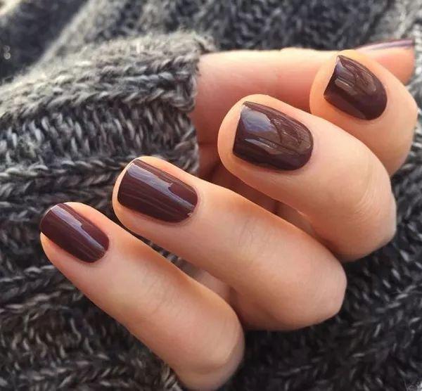 Esmalte-Nail-Polish-Coffee-Brown