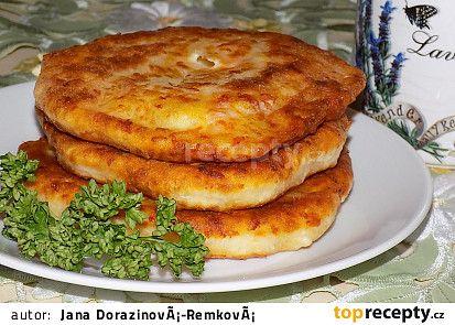 Kefírové placičky se šunkou a sýrem recept - TopRecepty.cz