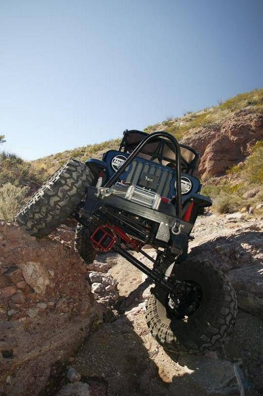 Major Flex with the rock crawler lift. Good lawd
