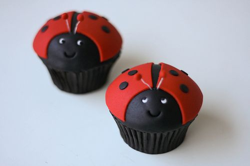 Ladybug Cupcake by Rouvelee's Creations, via Flickr