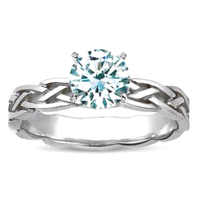 If anyone would ever want to make a life with me again... I'd love a simple but beautiful ring kinda like that...with an emerald symbolizing faith...