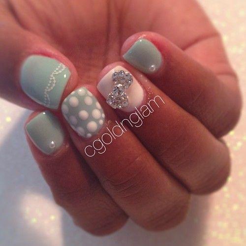 Dainty Seafoam gel nails for @chayla_alayne #cgoldnglamnails #gelnails #nailart #nailgasm #shellac