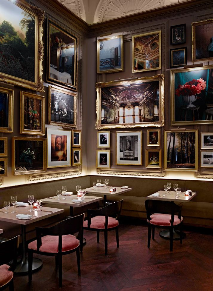 The London EDITION | http://www.yatzer.com/the-london-edition-hotel / Berner's Tavern, photo © Richard Powers.