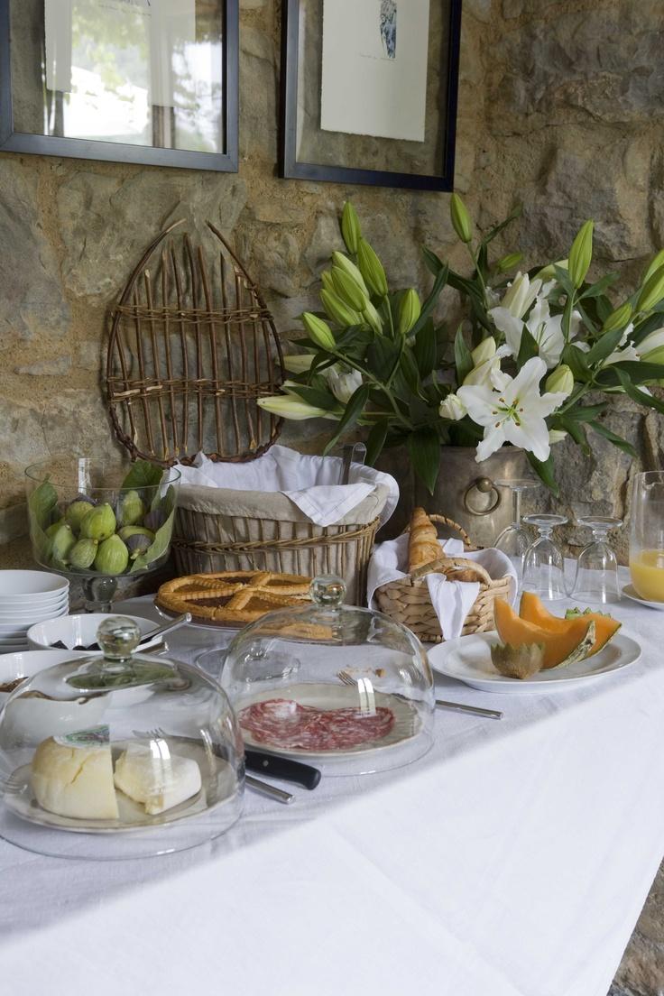 Breakfast buffet at Apricus
