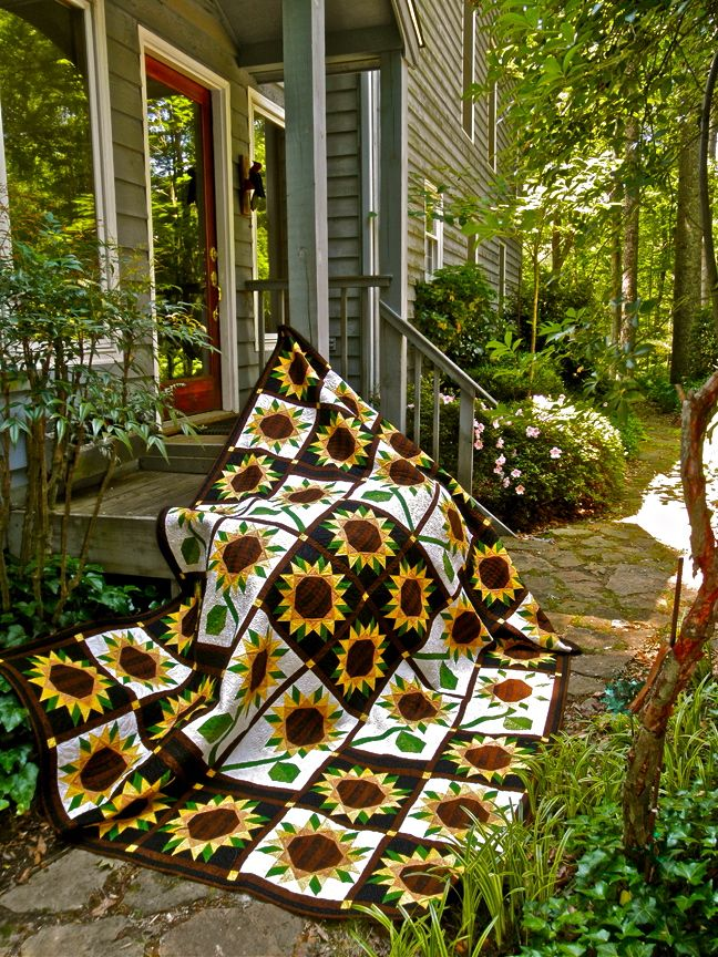 Sunflower Quilt--pattern for sale.  One of the most beautiful quilts I've ever seen! $13.95