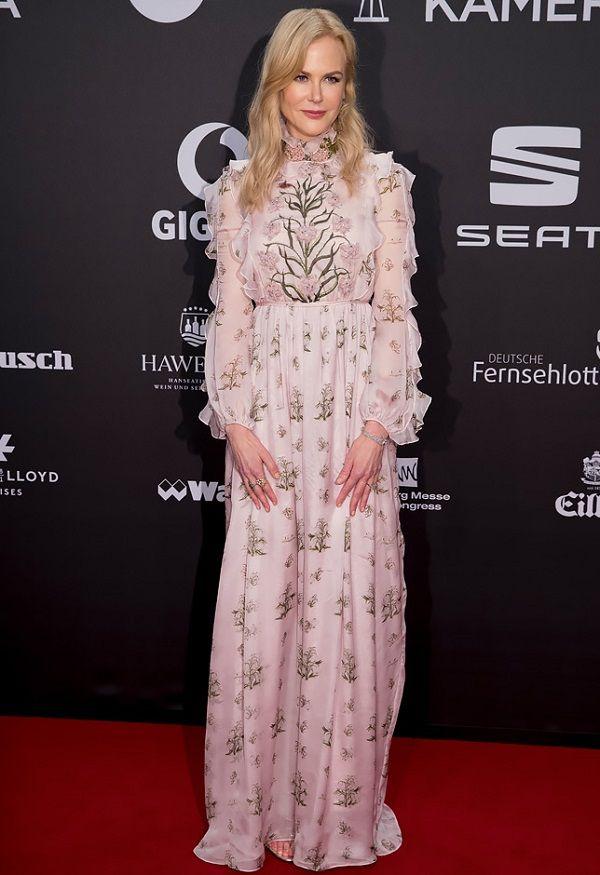 Nicole Kidman in Giambattista Valli 2017, Николь Кидман в Giambattista Valli 2017
