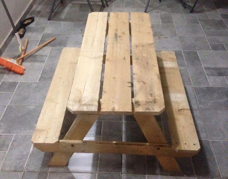 Best 25 pallet picnic tables ideas on pinterest for Pallet picnic table plans