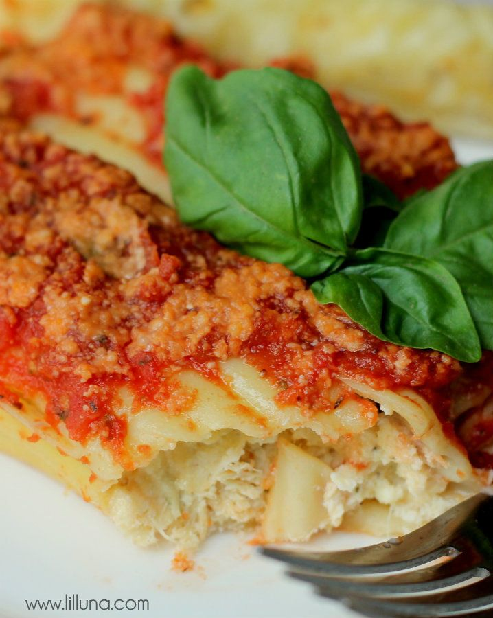 Parmesan Chicken Manicotti - you'll love this recipe on { lilluna.com }!!