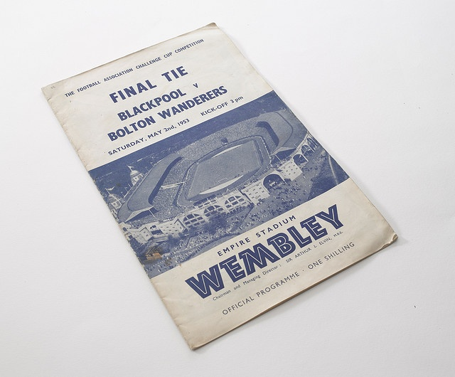 great retro typography on the 1953 FA Cup Final programme - you know its english football before you get a chance to read it.