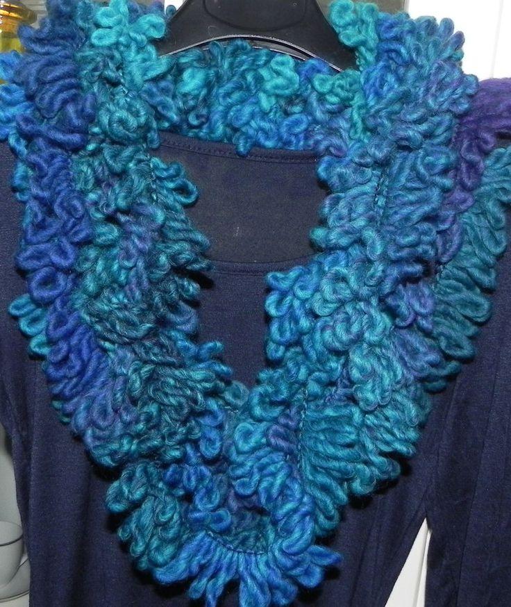 Sciarpa sciarpone collana toni dell'azzurro fatta a mano regalo infinity scarf , by Nuvola rossa, 16,00 € su misshobby.com
