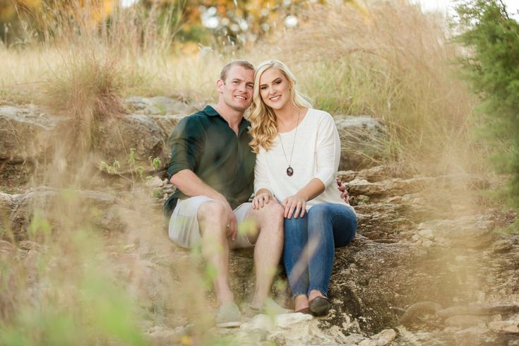 Engagement Session at Overlook Park in Canyon Lake Texas by Dawn Elizabeth Studios - San Antonio Wedding Photographer