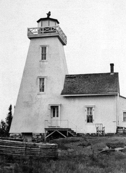 Toronto Island Lighthouse Cabin