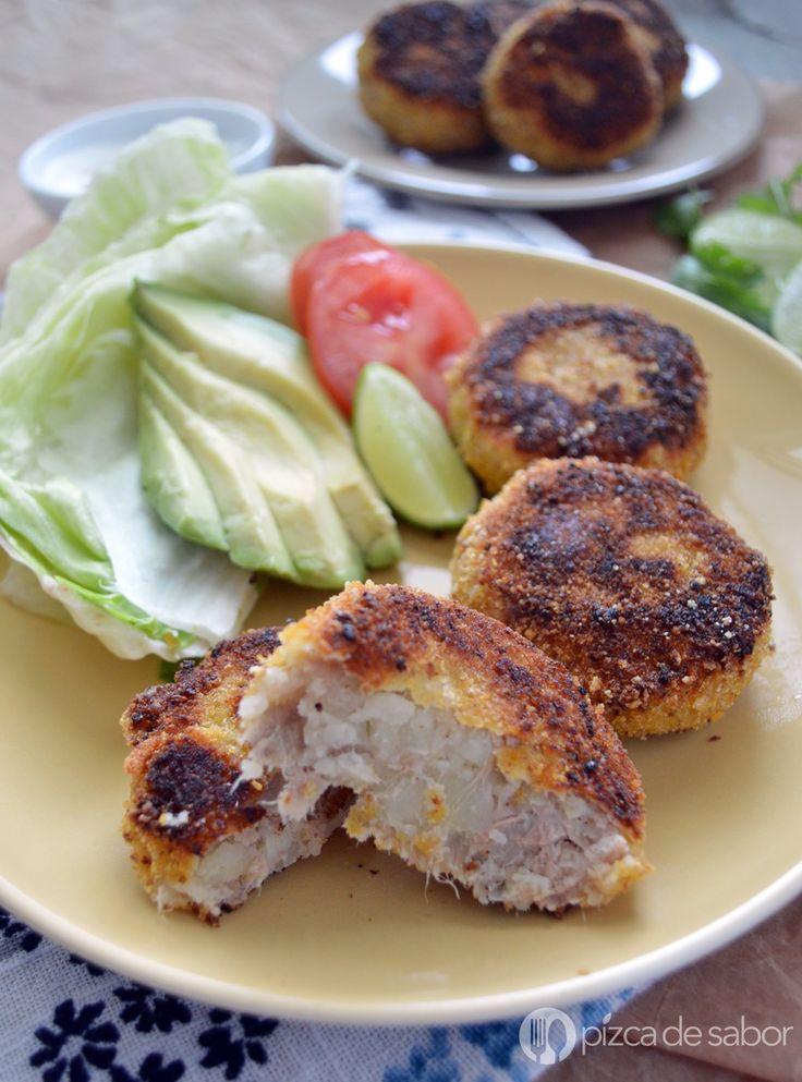 Tortitas o croquetas de papa y atún. Fáciles de hacer, económicas y deliciosas. Aprende a cocinarlas con esta receta paso a paso, de las favoritas de cuaresma!
