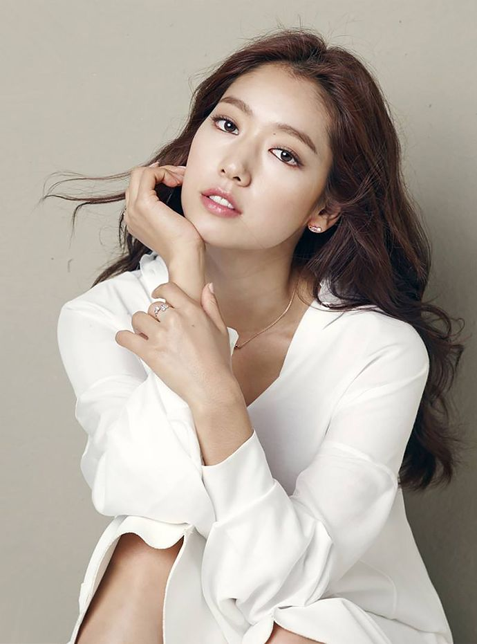 Extra AGATHA PARIS F/W 2015 Cuts Of Park Shin Hye | Couch Kimchi