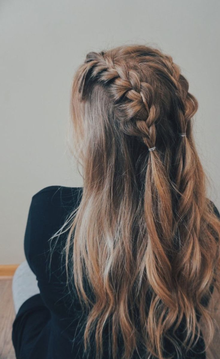 Brunette Wavy Mid Length Plaits Cute Ponytail Hairstyles Hair Styles Post Workout Hair